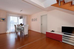 Apartment Veli Maj 1447, Apartments  Poreč - big - 8