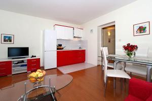 Apartment Veli Maj 1447, Apartments  Poreč - big - 26