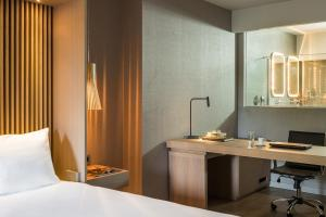 Radisson Blu Park Hotel, Athens (9 of 130)