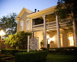 Crystal River Inn - Accommodation - San Marcos