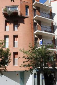 Hostal Cal Siles - Hotel - El Prat de Llobregat