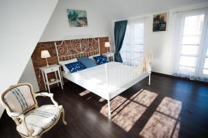 Vilnius Old Town 3 BDR Penthouse 100 m2 with Terrace