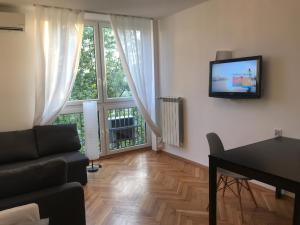 Modern two bedrooms near Saxon Garden AIR CON