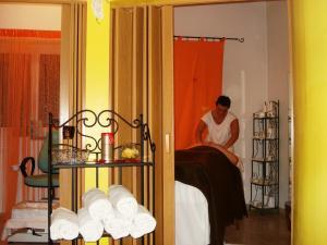 Hotel Goldenhof, Hotel  Ora - big - 38