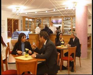 Hotel Goldenhof, Szállodák  Ora/Auer - big - 35