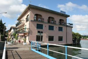 Albergo Ristorante Punta Dell'Est - AbcAlberghi.com