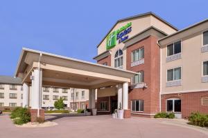 Holiday Inn Express & Suites Emporia Northwest, an IHG Hotel