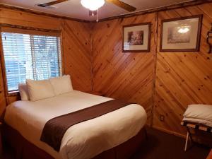 Big Bear Frontier - Hotel - Big Bear Lake