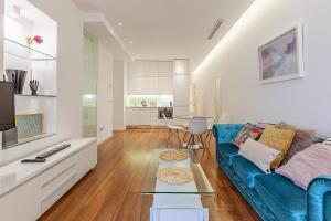 Las Rejas Apartment
