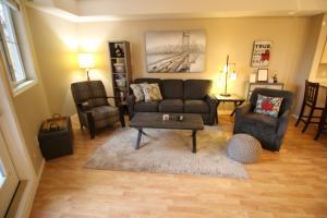 Pinnacle Pointe Resort by Discover Kelowna Resort Accommodations - Apartment - Kelowna