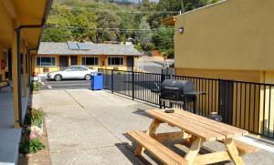 Accommodation in Clearlake Oaks