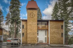 Scott Peak Slopeside Condo - Hotel - Alpine Meadows