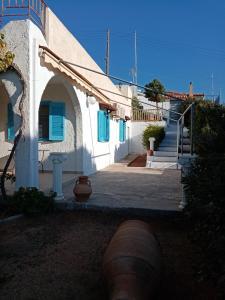 Beautiful Island house with sea view