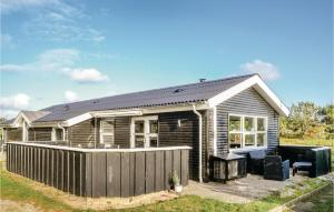 ThreeBedroom Holiday Home in Henne