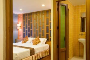 Golden House, Отели  Бангкок - big - 33