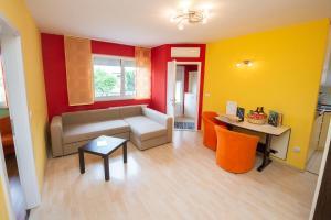 Golden Snail apartment