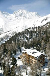 Grand Hôtel & Kurhaus - Hotel - Arolla