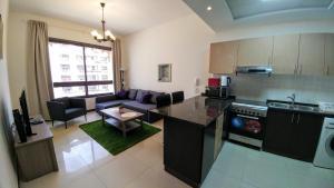 Mirage 1 Residence Beautiful, Modern Apartment with balcony - Dubai