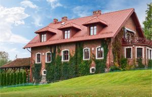 Beautiful apartment in Ostroda w 5 Bedrooms