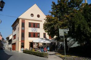HR Apartmanház, 3300 Eger