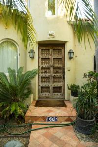 Beverly Hills Spanish Bed and Breakfast