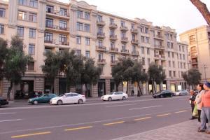 LM Apartment Boulevared Side Wiew, Ferienwohnungen - Baku