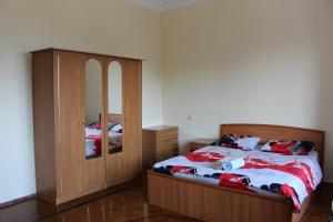 LM Apartment Boulevared Side Wiew, Ferienwohnungen  Baku - big - 3