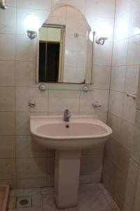 LM Apartment Boulevared Side Wiew, Ferienwohnungen  Baku - big - 9