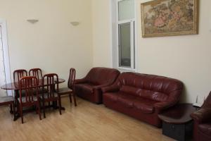 LM Apartment Boulevared Side Wiew, Ferienwohnungen  Baku - big - 10
