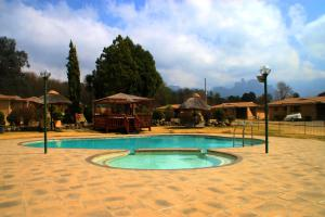 Riverbend Chalets (Gold Crown Resort)