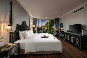 Shining Central Hotel & Spa