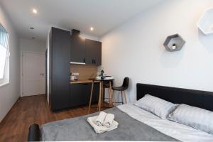Oak house apartments