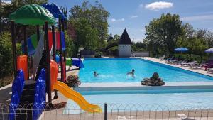 Location gîte, chambres d'hotes Camping Bleu Soleil dans le département Dordogne 24