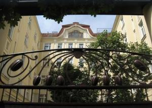 18th Century Genuine Viennese Experience, 2 min to subway