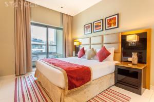 Staycae Capital Bay - Dubai