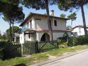 Villa Rosina Bibione, Apartmány  Bibione - big - 12