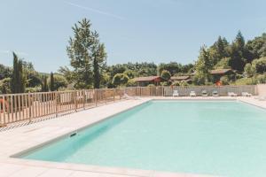 Location gîte, chambres d'hotes Terres de France - Les Hameaux de Pomette dans le département Lot 46