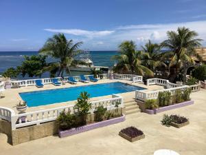 Cariblue Hotel & Scuba Resort