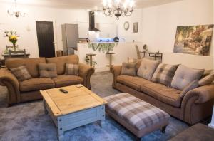 Ideal Home away at Thorncliffe Apartments