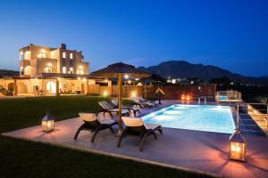 Kiotari Beach Villas - Luxury Retreat