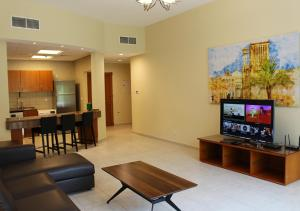 J5 One Bedroom Holiday Homes Dubai Investment Park - Dubai