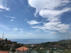 Appartamento in collina con vista mare - AbcAlberghi.com