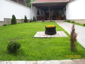 Hera Guest House - Balkanets
