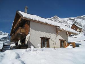 Location gîte, chambres d'hotes Les Chalets Dycoh dans le département Isère 38