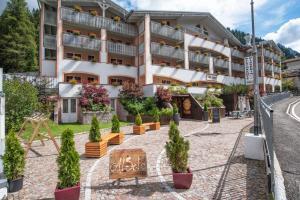 Al Sole Clubresidence - Hotel - Canazei di Fassa