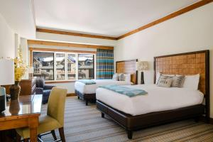 The Lodge at Spruce Peak - Accommodation - Stowe