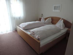 Hotel Christin, Отели  Ора - big - 5