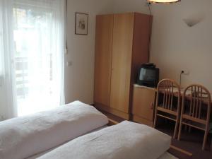 Hotel Christin, Отели  Ора - big - 3