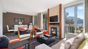 Remarkables Mountain Range Apartment - Queenstown