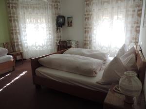 Hotel Christin, Отели  Ора - big - 31